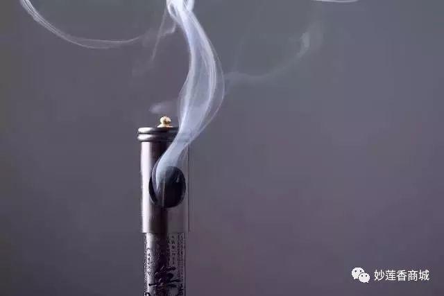 香文化:焚香有禅意,风雨不惊心,品闻蕴含在禅意中的香文化