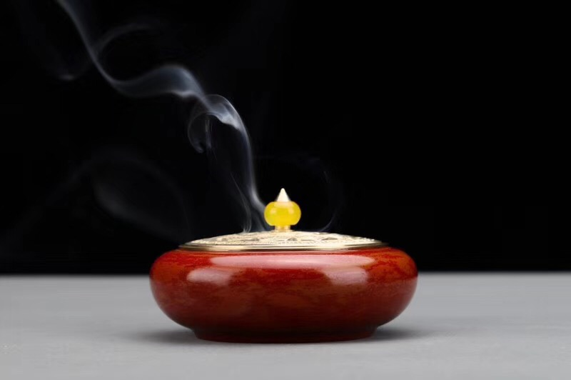 大红禅心宣德炉-香云效果
